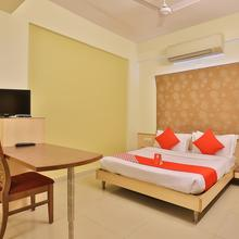 Oyo 11718 Hotel Shivarth in Bavla