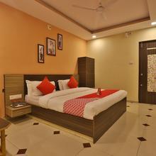 OYO 11867 Hotel Nilkanth Inn in Derol
