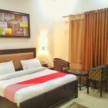 OYO 11878 Hotel De DS Plaza in Rithora