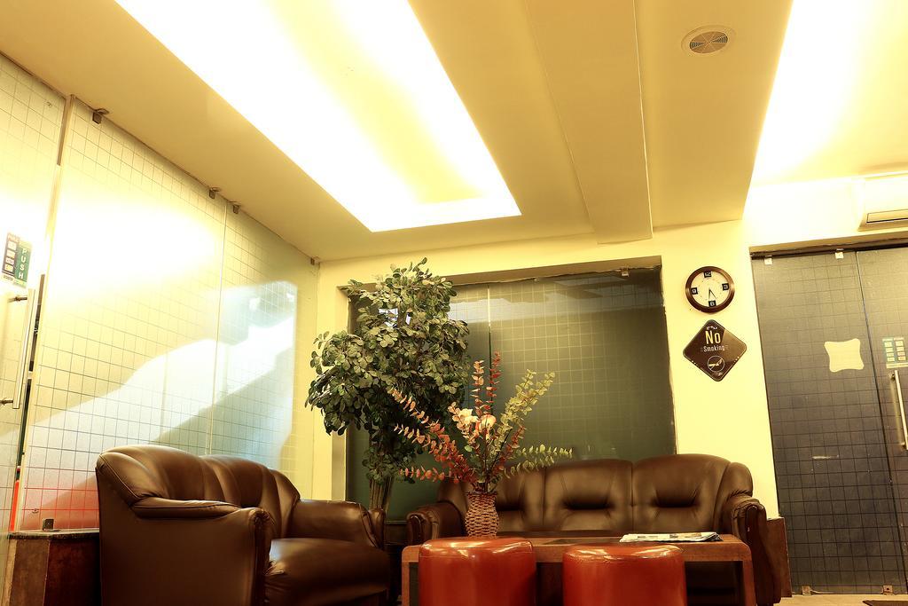 OYO 1188 Hotel Tangerine Guest House in Sankrail