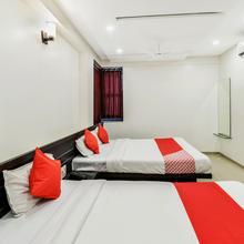 Oyo 12053 Hotel Shri Govind in Shirdi