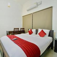 Oyo 12069 Rankghas Residency in Palayam