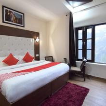 OYO 12076 Hotel Apline Hilldon in Chail