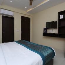 OYO 12081 Palm Garden Suites in Manesar