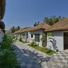 Oyo 12084 Bay Paradise in Bhimunipatnam
