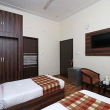 OYO 12126 Hotel Shagun Residency in Palawa