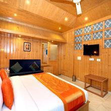 OYO 12170 Home Luxury Rooms Rustic Villa Kasauli in Baddi