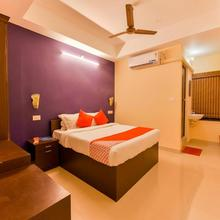 OYO 12179 Hotel Raiban in Punnappira