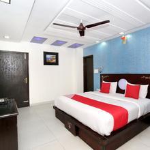 OYO 12188 Home Modern Apartment  Kalka Shimla Highway in Kalka