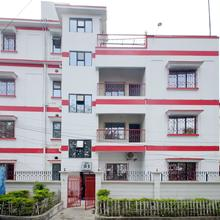 Oyo 1220 Casa Broadway in Gauripur