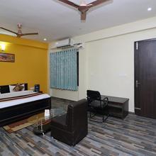 OYO 12220 Krishnavi Inn in Mohanlalganj