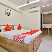 OYO 12462 Hotel Shiv Inn in Gandhinagar
