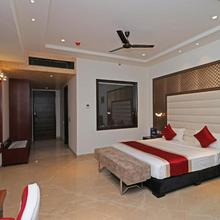 OYO 12464 Hotel C Pearls in Ladrawan