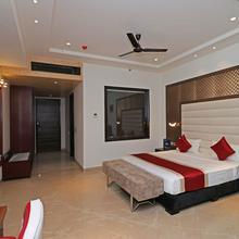 OYO 12464 Hotel C Pearls in Bahadurgarh