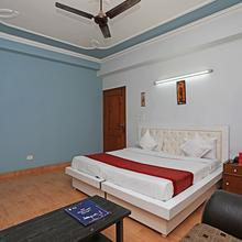 Capital O 12502 Prime Park Hotels in Ghaziabad
