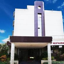 Oyo 12521 Hotel Shahu And Sai Shahu in Sinnar