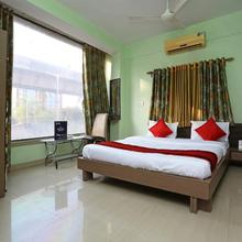 OYO 12528 Green View Guest House 2 in Alipore