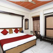 OYO 12671 Hotel Prithvi Palace in Adhyatmik Nagar