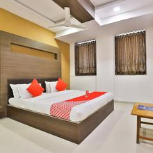 Oyo 12800 Hotel Vlee in Kalol