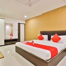 OYO 12800 Hotel Vlee in Gandhinagar