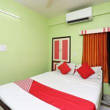 OYO 12803 Moon Light Hotel in Shrirampur