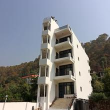 Oyo Home 12882 Nature's Heaven 2bhk in Nainital