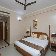 OYO 13052 Hotel Conclave Inn in New Delhi