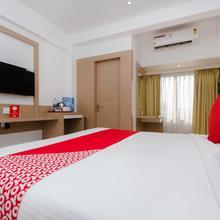 Capital O 13089 Hotel Gold Crest in Navi Mumbai