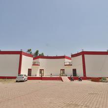 OYO 13124 Hotel Pyramid in Karjan
