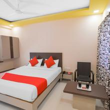 OYO 13150 Mangal Residency in Pune