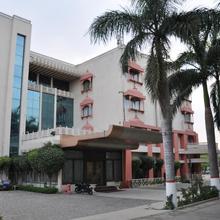 Oyo 13279 Hotel Jabali Palace in Madan Mahal