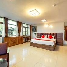Oyo 133 Westlake Tay Ho Hotel in Hanoi