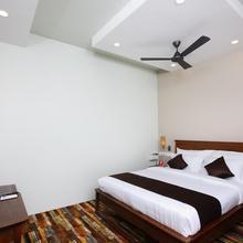 Oyo 13302 Hotel Ashvattha in Tambaram
