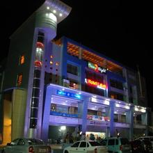 Oyo 13372 Hotel Laksh Residency in Vallabh Vidyanagar