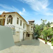 OYO 13526 Deluxe Residency in Panamaram