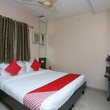 Oyo 13546 Hotel City Palace in Raipur