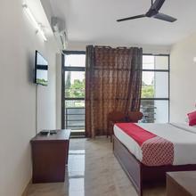 Oyo 13581 Hotel Raj in Cherambane