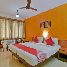 OYO 1365 Hotel Manoshanti in Silidao