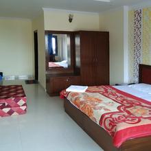 OYO 13673 Home Luxury Studio Happy Valley in Mussoorie
