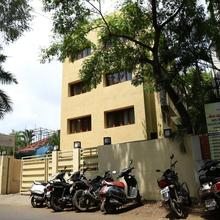 OYO 13771 Executive Residency in Mundhva
