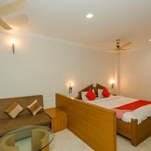 Oyo 14142 Hotel Ashray in Indore
