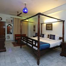OYO 1427 Hotel Malhar Haveli in New Delhi