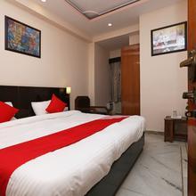 Oyo 14390 Hotel Samrat in Rewari