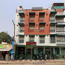 OYO 14422 Hotel Cosmos in Mohanlalganj