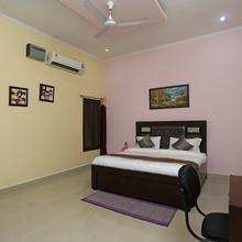 OYO 14791 Homeystay Comfort in Dhauj