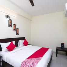 OYO 14811 Hotel Royal Monarch in Sardarnagar
