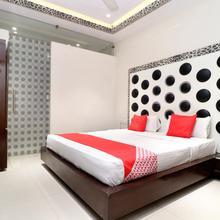 Oyo 14829 Hotel J Cruise in Ludhiana