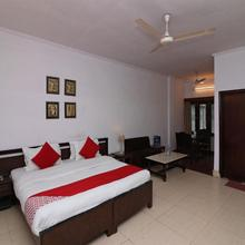 OYO 14837 Hotel Uberoi Anand in Bareilly