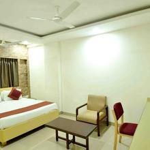 OYO 1498 Hotel Kalinga in Indore