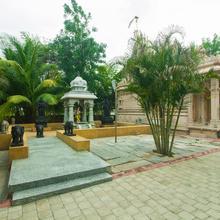 OYO 15483 Sai Palkhi Niwara in Shirdi